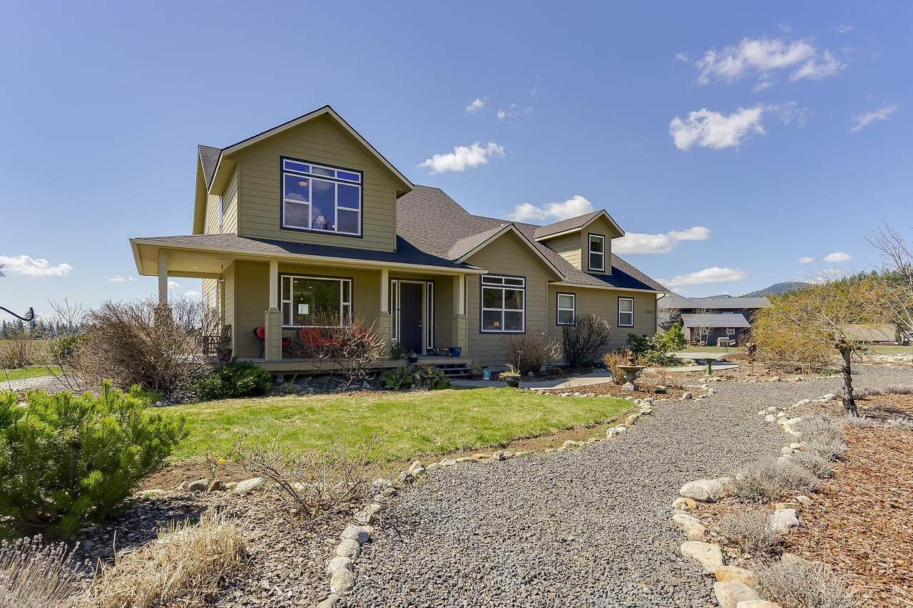 22867 Ranch View Dr - Photo 1
