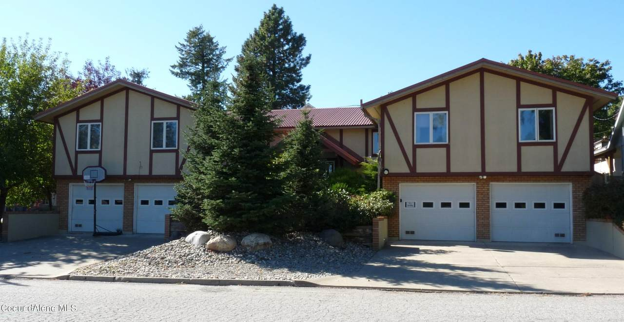 226 & 228 3rd Ave - Photo 1