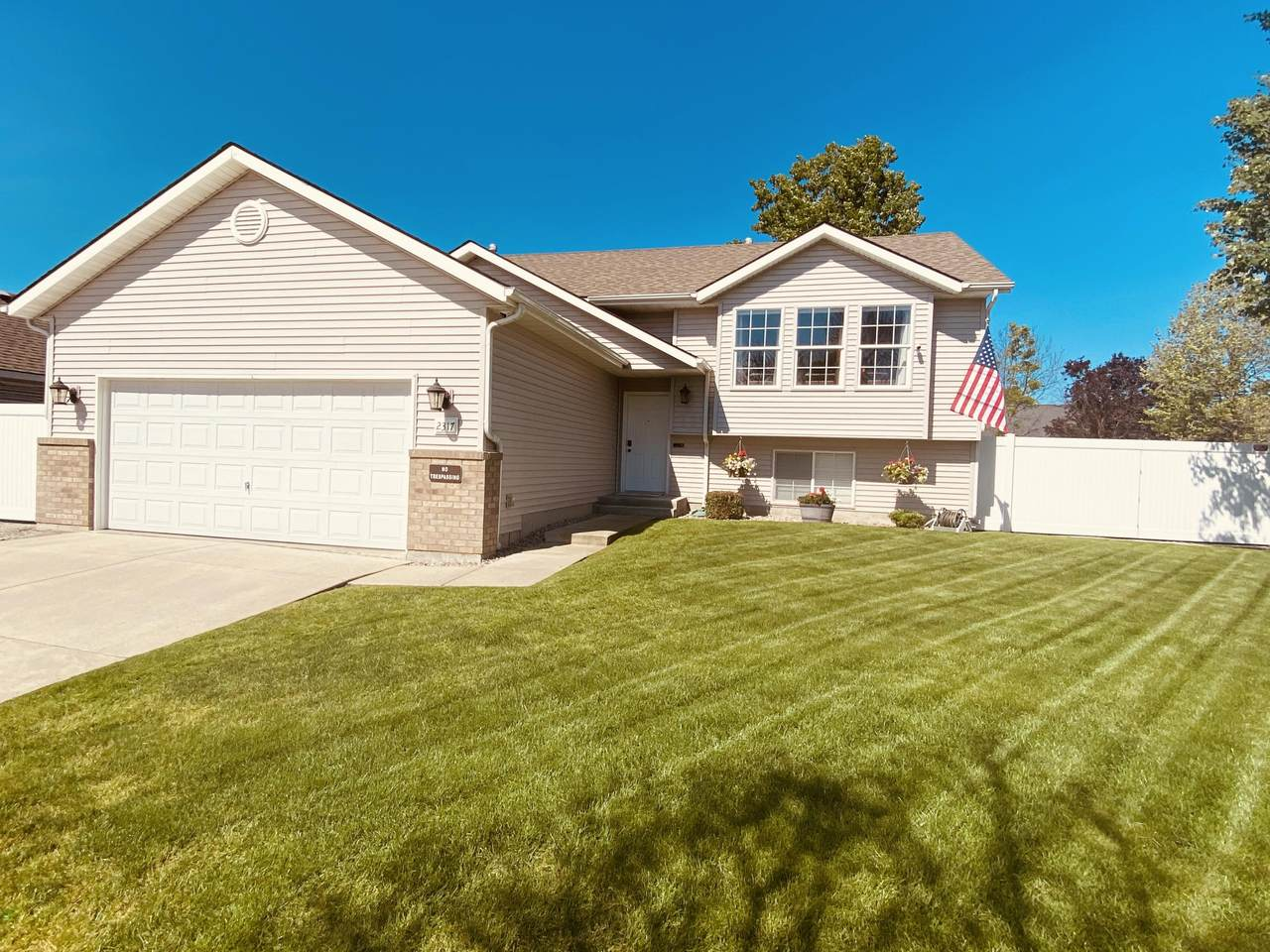 2317 Coolwater Dr - Photo 1