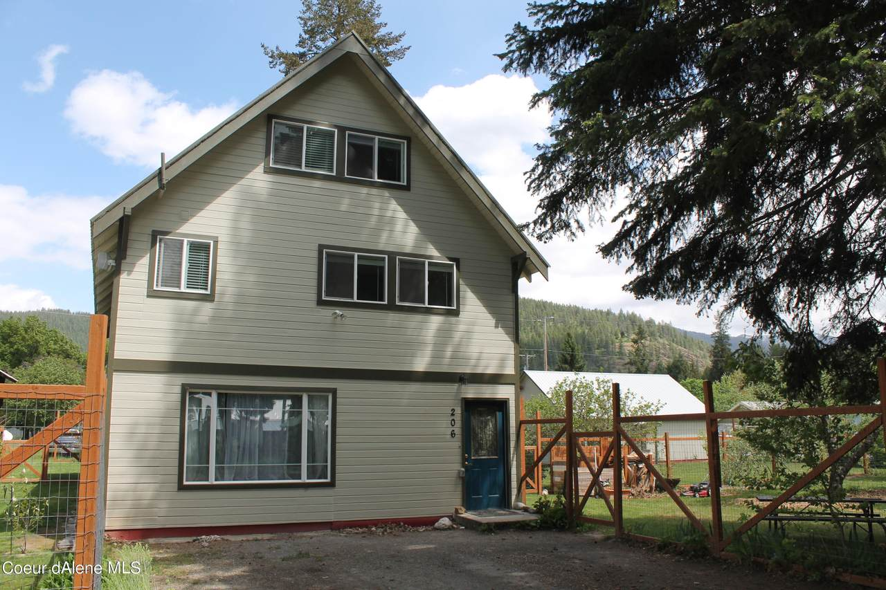 206 7th Ave - Photo 1