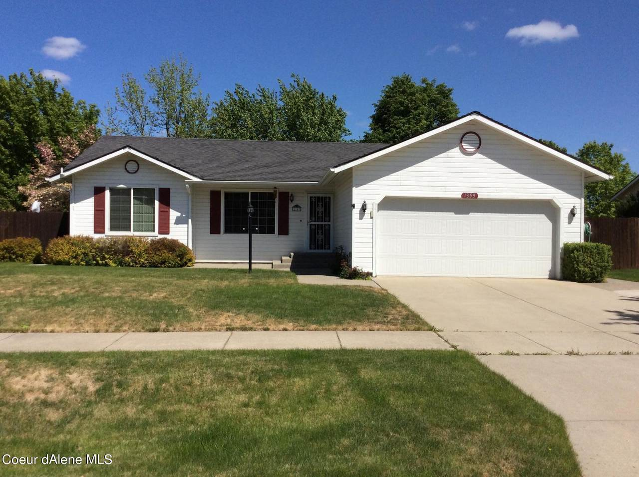 1359 Tanager Ave - Photo 1