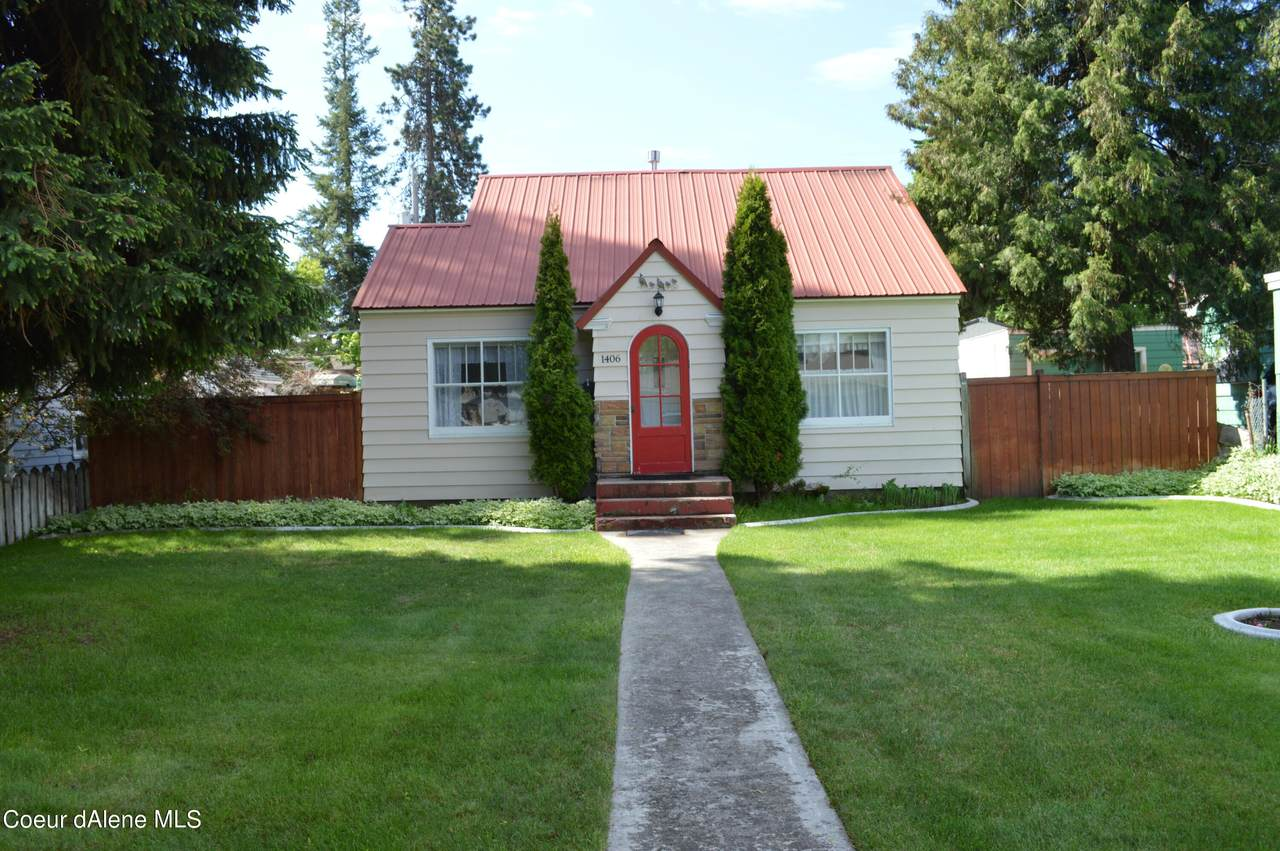 1406 St Maries Ave - Photo 1
