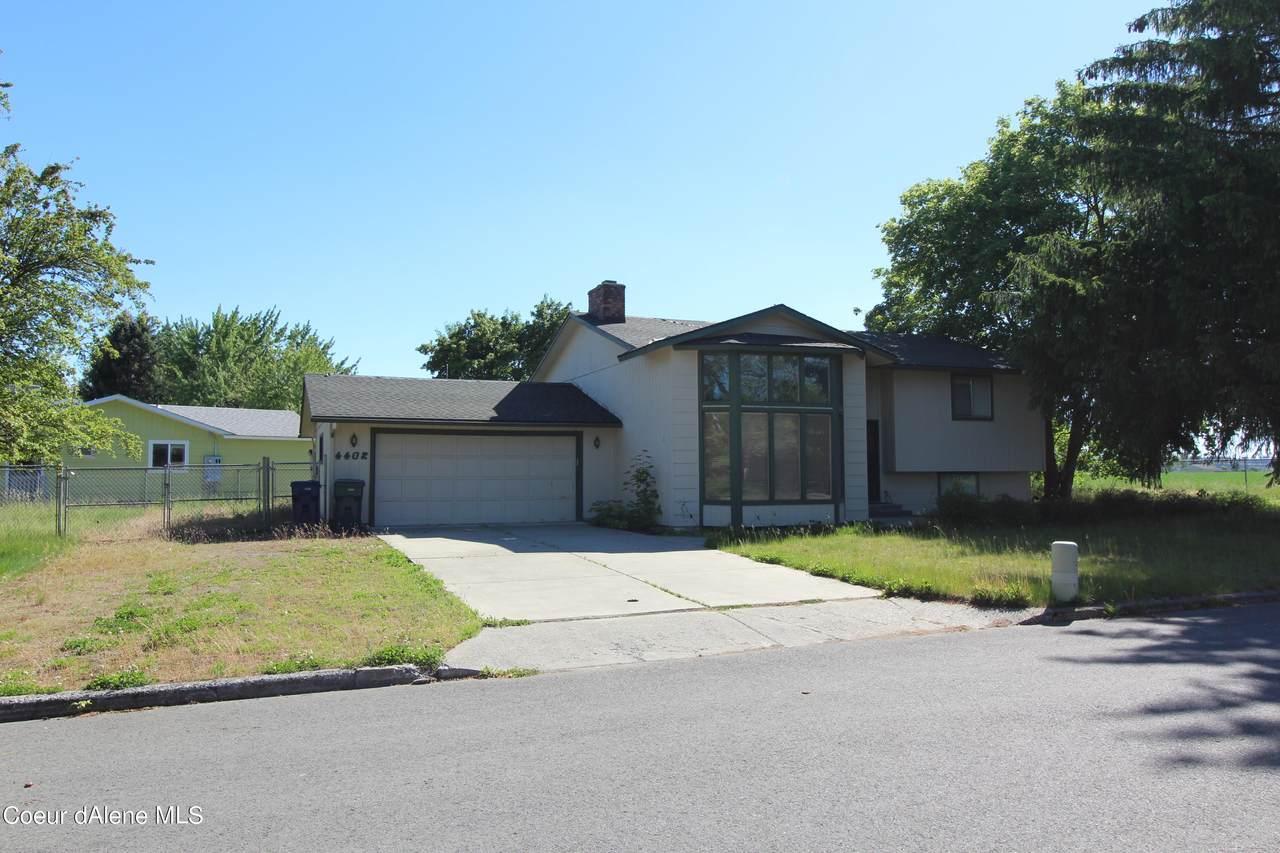 4402 Laurel Ave - Photo 1