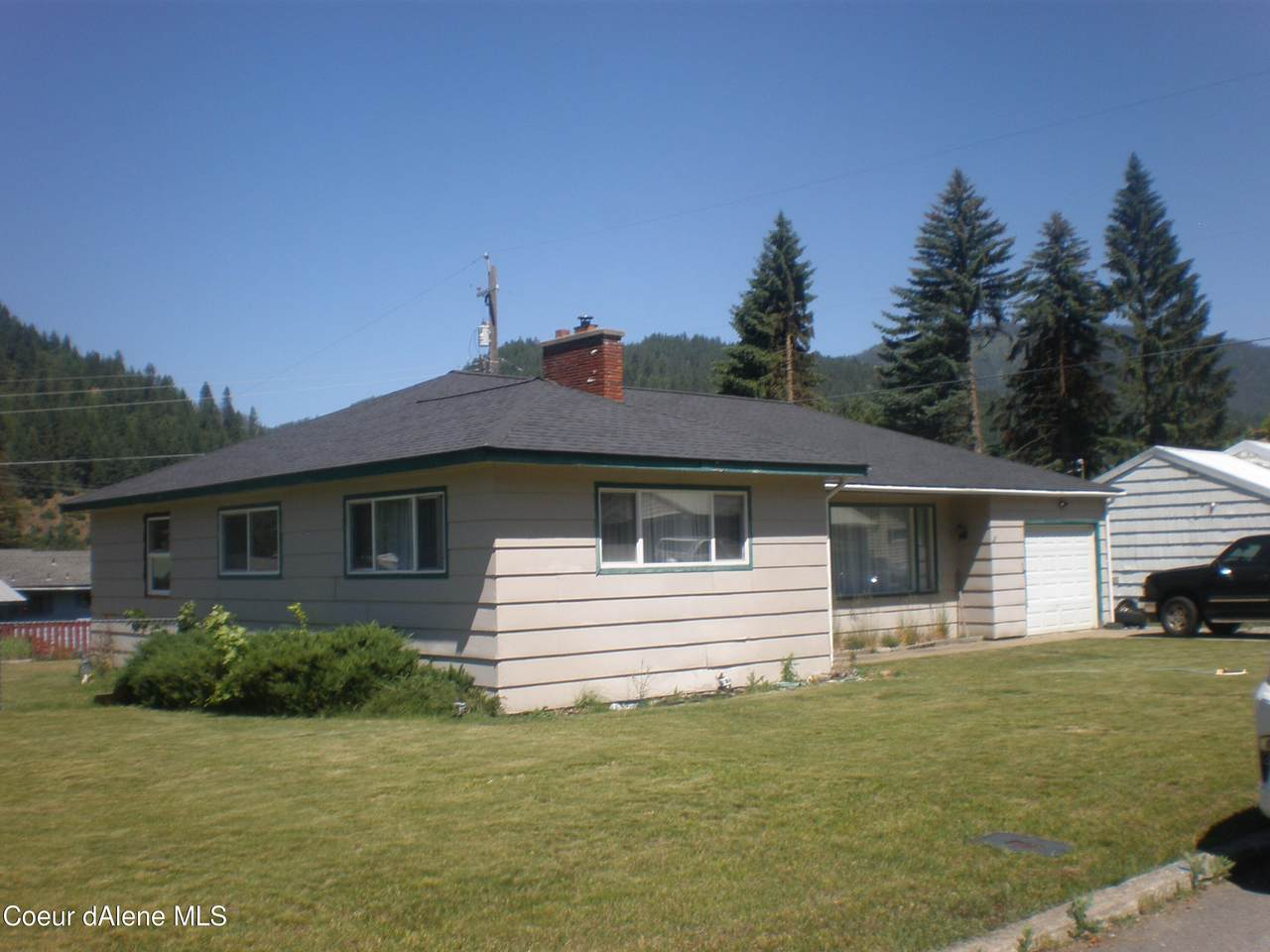 120 Larch Ave - Photo 1