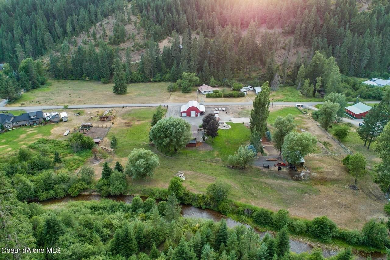 1952 Gateway Ranch Rd - Photo 1