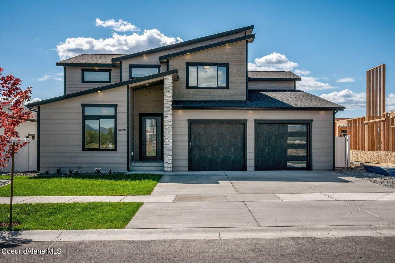 2508 Okanogan Ave - Photo 1