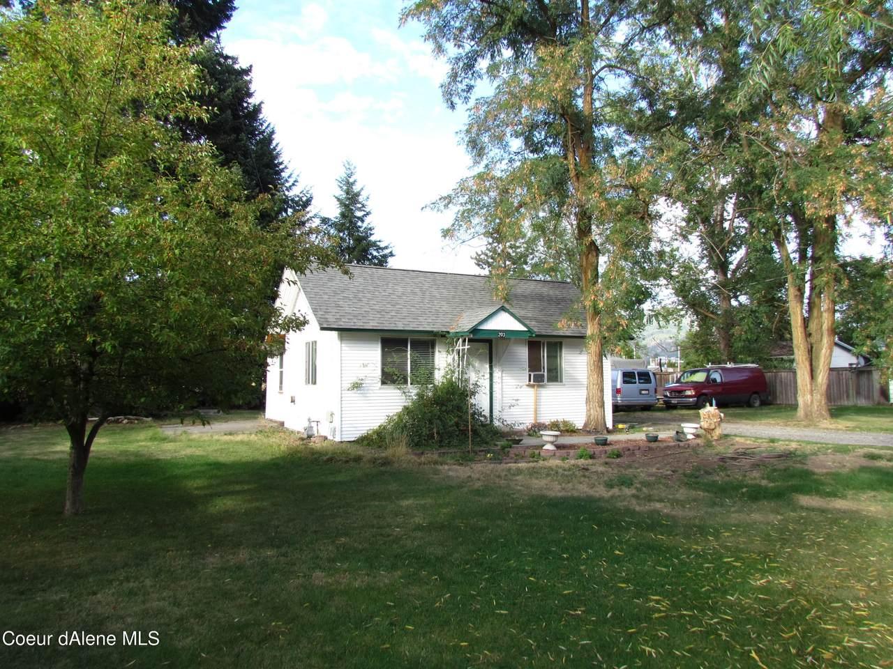 203 Homestead Ave - Photo 1