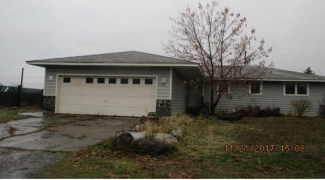 1101 N Wildrose Ln, Post Falls, ID 83854 (#17-11987) :: Chad Salsbury Group