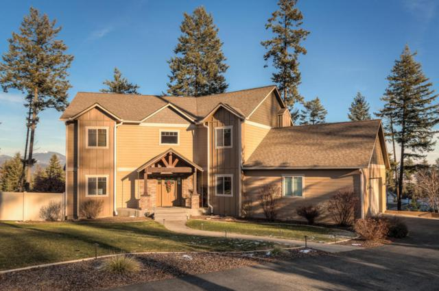 19002 W Sweetbrier Ct, Hauser, ID 83854 (#17-12085) :: Chad Salsbury Group