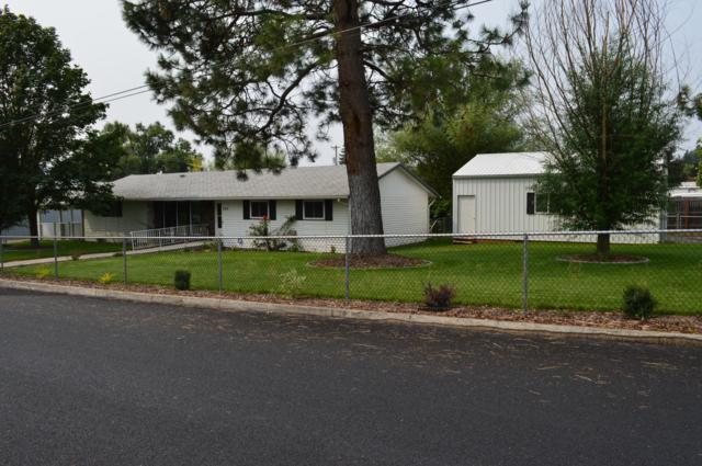 1317 N Compton St, Post Falls, ID 83854 (#18-10043) :: The Stan Groves Real Estate Group