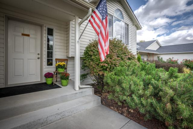 2383 N Bunchgrass Dr, Post Falls, ID 83854 (#18-10598) :: The Spokane Home Guy Group