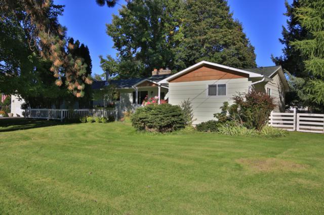 7520 N Davenport St, Dalton Gardens, ID 83815 (#18-10789) :: The Spokane Home Guy Group
