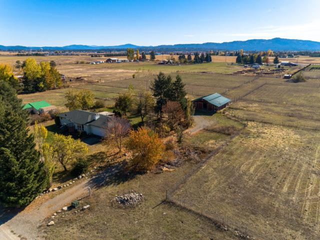 8410 N Greensferry Rd, Post Falls, ID 83854 (#18-11494) :: The Stan Groves Real Estate Group