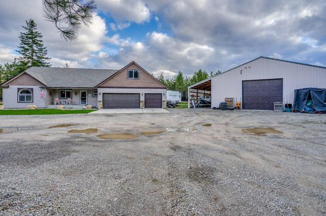 21117 N Wandering Pines Rd, Rathdrum, ID 83858 (#18-3731) :: Chad Salsbury Group
