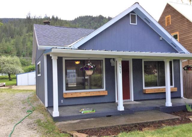 1309 E Mullan Ave, Osburn, ID 83849 (#18-5591) :: The Spokane Home Guy Group
