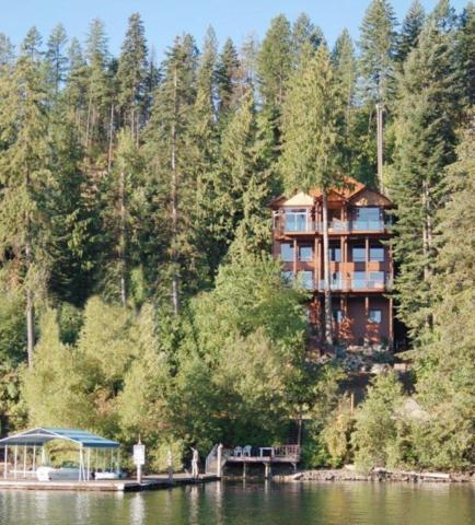 3546 E Hayden Lake Rd, Hayden, ID 83835 (#18-6846) :: The Spokane Home Guy Group