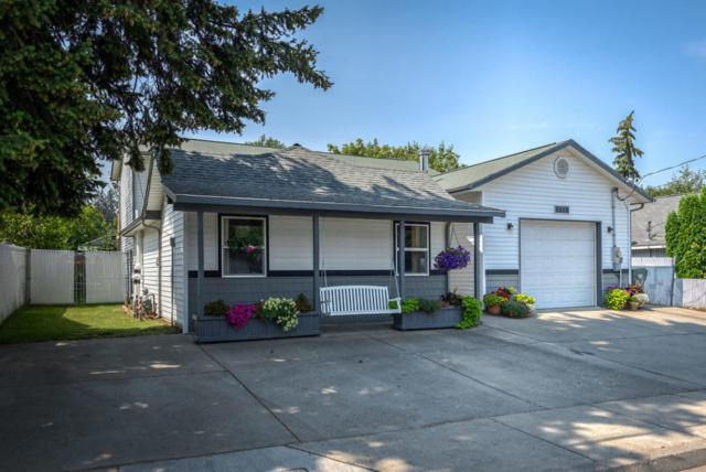 2615 N 11TH St, Coeur d'Alene, ID 83815 (#18-9229) :: The Spokane Home Guy Group