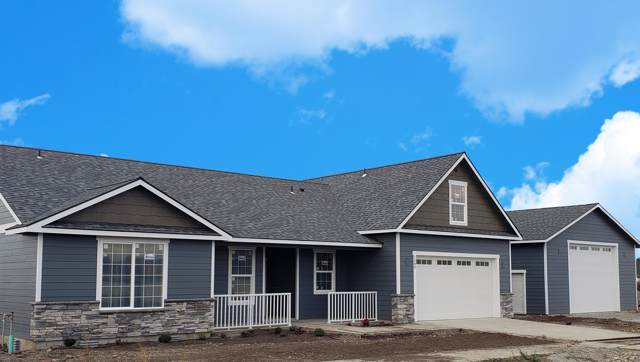 1580 W Wayward Cir, Post Falls, ID 83854 (#19-10519) :: Kerry Green Real Estate
