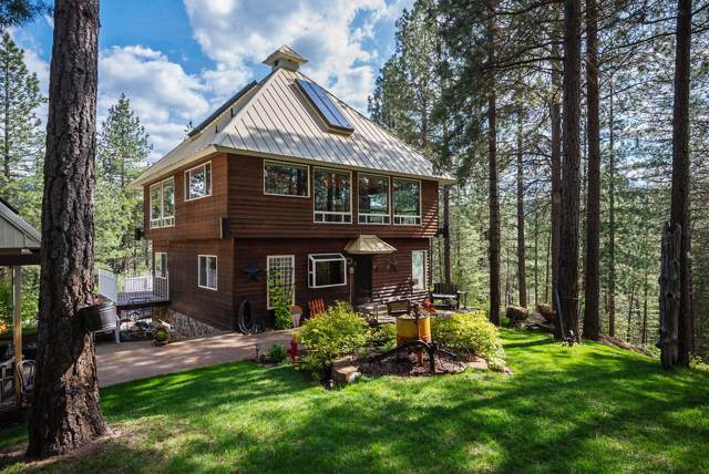 483 Paradise Lane, Pinehurst, ID 83850 (#19-10837) :: Mall Realty Group