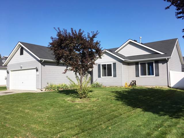1044 N Tubsgate Ct, Post Falls, ID 83854 (#19-11595) :: Kerry Green Real Estate