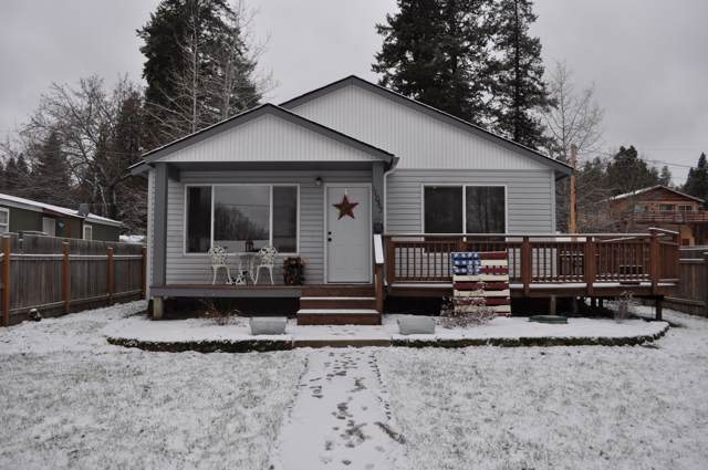 11067 N 2ND St, Hauser, ID 83854 (#19-12567) :: CDA Home Finder