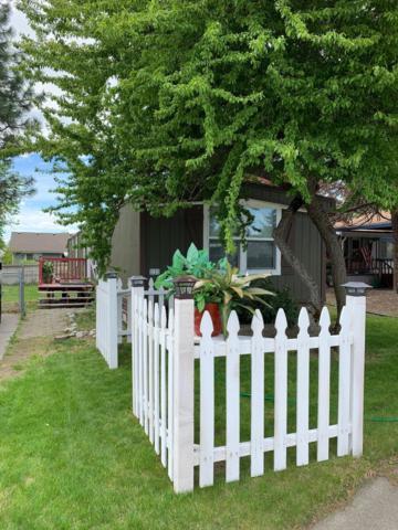 1860 W Windsor Ave, Coeur d'Alene, ID 83815 (#19-5159) :: Windermere Coeur d'Alene Realty