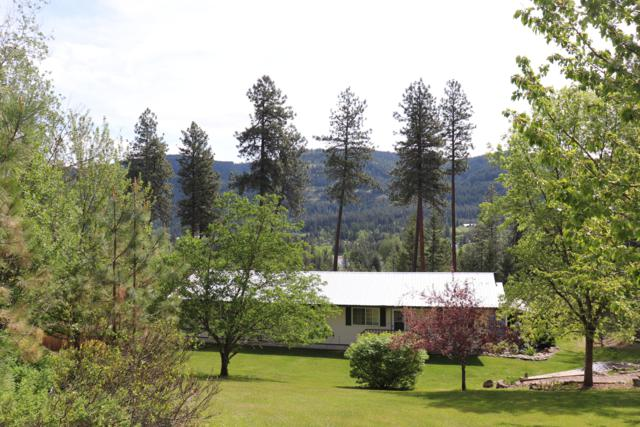 242 Sherwoods Rd, Sagle, ID 83860 (#19-5200) :: Groves Realty Group