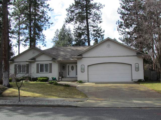 700 S Shoreline Ct, Post Falls, ID 83854 (#20-2790) :: Kerry Green Real Estate