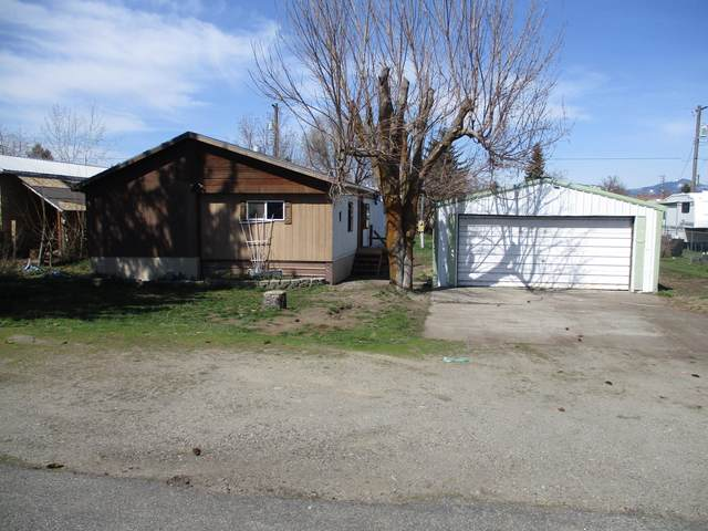 3545 W Ridge Dr, Post Falls, ID 83854 (#20-3035) :: ExSell Realty Group