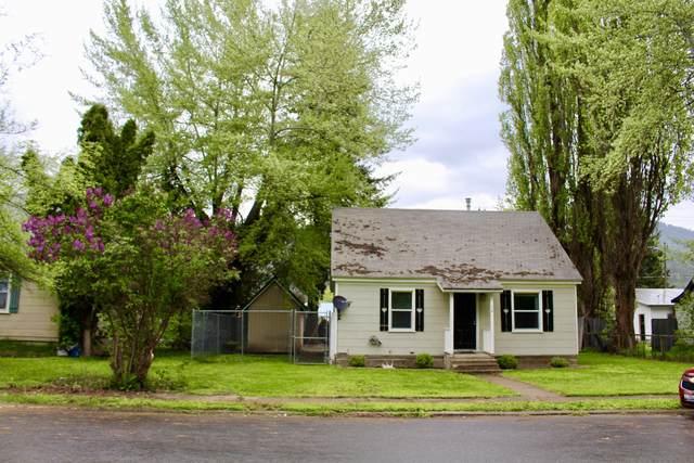 1214 E Larch, Osburn, ID 83849 (#20-4596) :: CDA Home Finder