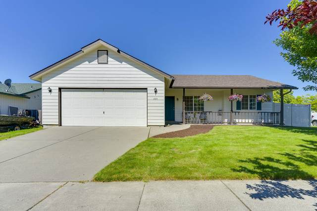 885 N Fulton St, Post Falls, ID 83854 (#20-6440) :: Embrace Realty Group