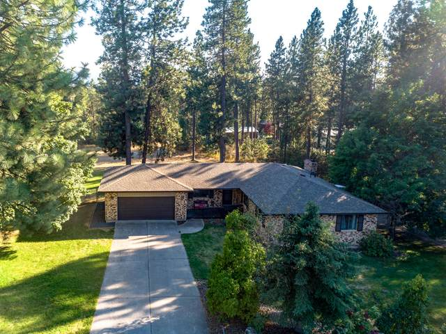 16510 W Hollister Hills Dr, Hauser, ID 83854 (#20-8490) :: Mall Realty Group
