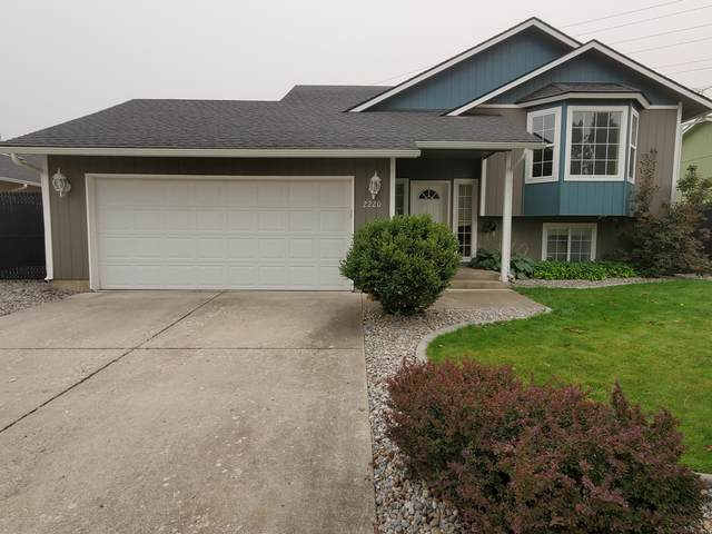 2220 W Shawna Ave, Coeur d'Alene, ID 83815 (#20-9144) :: CDA Home Finder