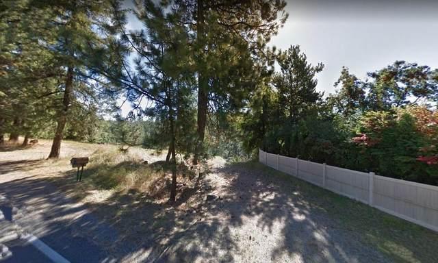 10900 N Lakeview Dr, Hayden Lake, ID 83835 (#20-9325) :: Keller Williams Realty Coeur d' Alene