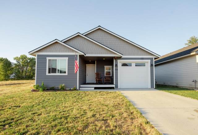 1718 Oak St, Sandpoint, ID 83864 (#20-9472) :: ExSell Realty Group