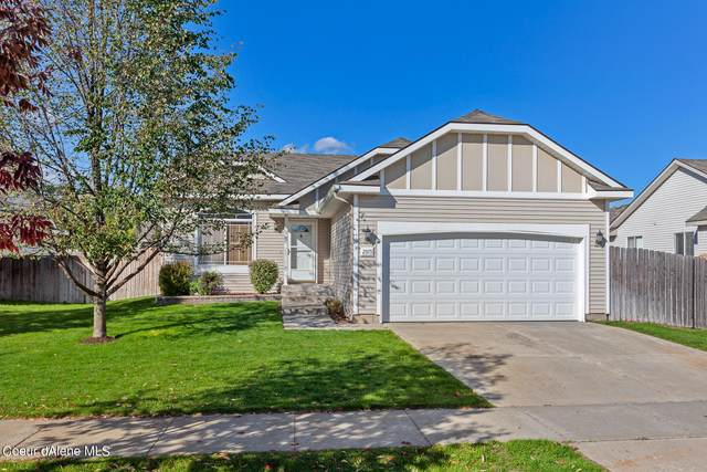 2915 W Elmwood Dr, Coeur d'Alene, ID 83815 (#21-10264) :: Real Estate Done Right