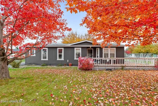 685 E Dakota Ave, Hayden, ID 83835 (#21-10833) :: Five Star Real Estate Group