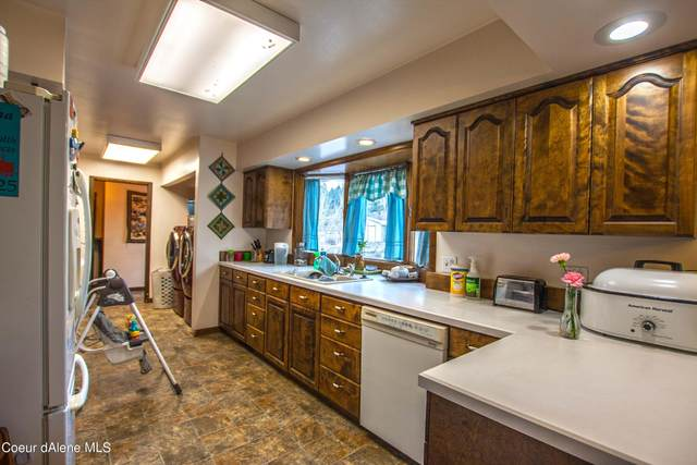 6738 Denver St, Bonners Ferry, ID 83805 (#21-1420) :: ExSell Realty Group