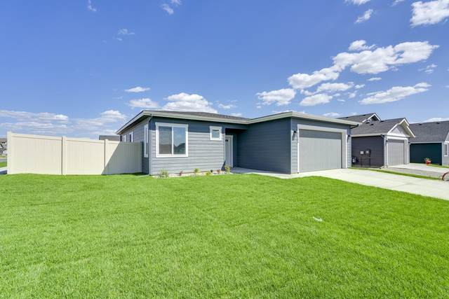 209 N Inkwood St, Post Falls, ID 83854 (#21-4017) :: Amazing Home Network