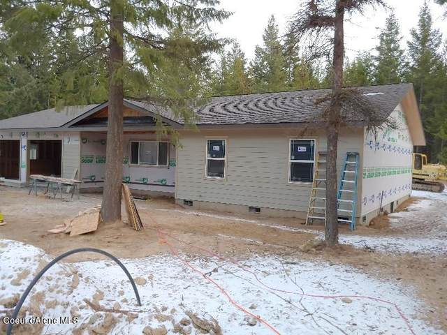 128 Elk Rd, Moyie Springs, ID 83845 (#21-445) :: Mall Realty Group