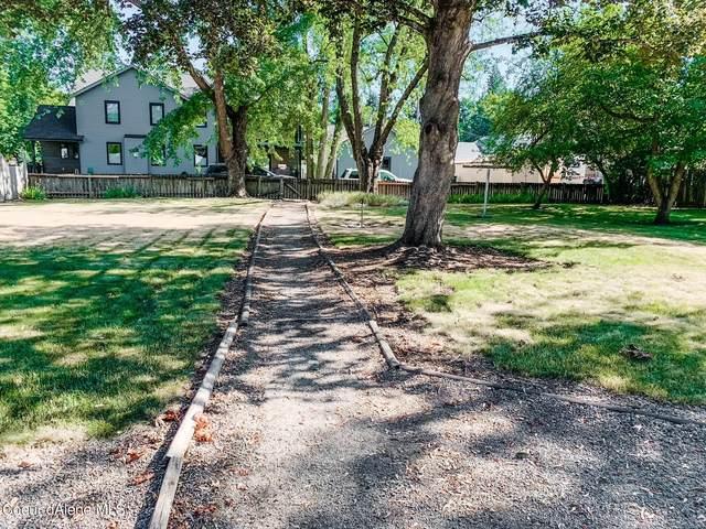1509 E Mullan Ave, Coeur d'Alene, ID 83814 (#21-7035) :: Kroetch Premier Properties