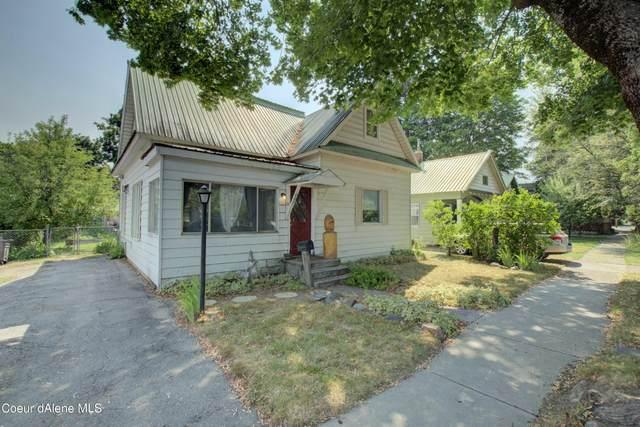 607 Cedar St, Sandpoint, ID 83864 (#21-7492) :: CDA Home Finder