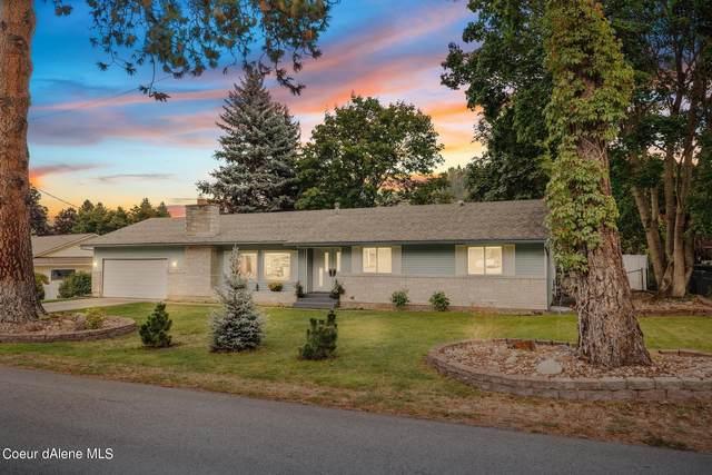 208 N Fernan Lake Rd, Coeur d'Alene, ID 83814 (#21-9022) :: Prime Real Estate Group