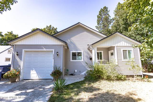 1215 N 6TH St, Coeur d'Alene, ID 83814 (#21-9287) :: Coeur d'Alene Area Homes For Sale