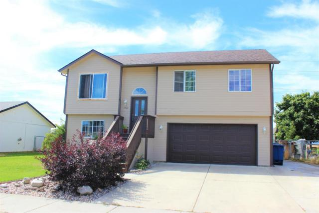 1705 N Foxglove Ln, Post Falls, ID 83854 (#17-9189) :: Chad Salsbury Group