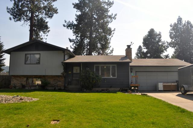 1129 E Shorewood Ct, Coeur d'Alene, ID 83815 (#18-10199) :: The Stan Groves Real Estate Group