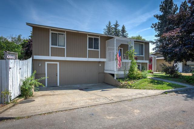 2716 N 10TH St, Coeur d'Alene, ID 83815 (#18-9170) :: The Spokane Home Guy Group