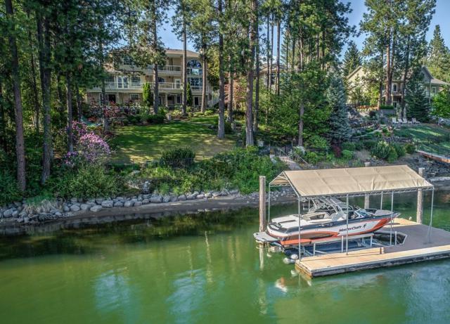 1000 S Riverside Harbor Dr, Post Falls, ID 83854 (#18-9488) :: Team Brown Realty