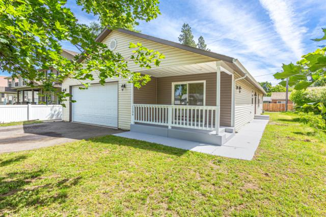 1206 N 6TH St, Coeur d'Alene, ID 83814 (#19-6380) :: The Jason Walker Team