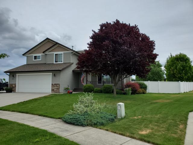 2822 W Blackberry Loop, Hayden, ID 83835 (#19-7995) :: Groves Realty Group